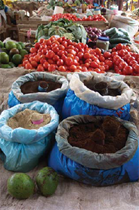 Tanzanian food market. Photo by Roxanne Clemens.